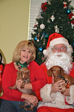 Pet Pictures with Santa From San Pablo Animal Hospital